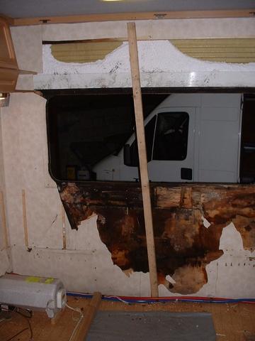 caravan repair 1